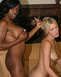 Perfect teens in threesome